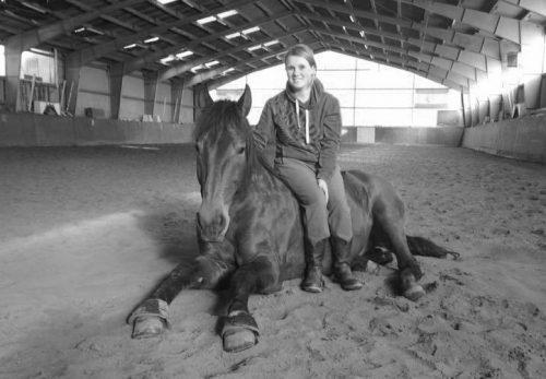 Jill mit ihrem Pferd